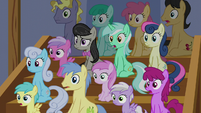 Audience of ponies in silent surprise S6E4