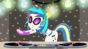 DJ Pon-3 busting a move EG2