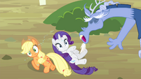 Discord sneezes at AJ and Rarity S4E11