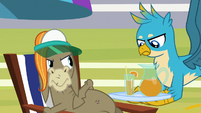 Gallus holding a tray of iced tea S8E15