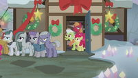 Granny, Big Mac, and Apple Bloom in shock S5E20