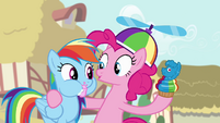 Pinkie with a cupcake S4E12