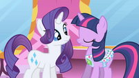 Rarity decides to change the emerald S1E01