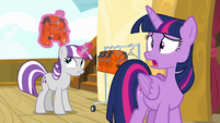 Twilight Velvet puts on a life jacket S7E22