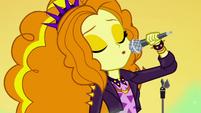 Adagio Dazzle singing the song's last notes EGSBP