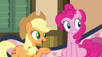 Applejack pointing to Granny Smith S4E09
