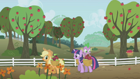 Applejack y Twilight S1E3I02
