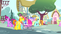 Mr. and Mrs. Cake with stroller S4E12