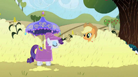Rarity under her umbrella S02E01