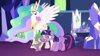 Spike comforting Twilight Sparkle S7E1