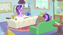Starlight and Twilight sit across from each other MLPS4