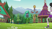 Transformed Gloriosa appears at Camp Everfree EG4