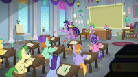 Twilight Sparkle addressing her students S8E12