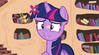 Twilight giving the CMC a chance S4E15