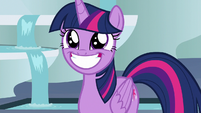 Twilight grinning widely at Celestia S8E7