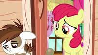 Apple Bloom watches Pip walk away disappointed S7E21