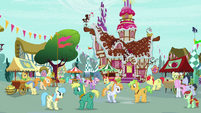 Bright Mac and Pear Butter dancing yards apart S7E13