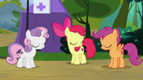 Cutie Mark Crusaders nodding in agreement S7E21