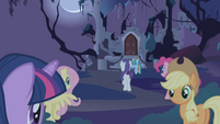 Mane 6 approaching the castle S1E02