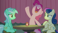 Pinkie Pie laughing hysterically S8E3