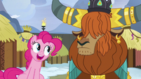 Pinkie wants to horn-bump with Prince Rutherford S7E11
