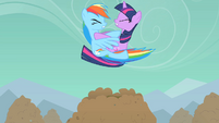 Rainbow Dash and Twilight Sparkle crash into each other S01E19