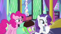 Rarity's hoof returns to normal MLPS2