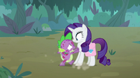 Spike telling Rarity to run away S8E11