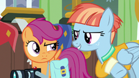 Windy Whistles teases Scootaloo a little S7E7