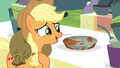 Applejack gushing about vintage pie tin S4E22.png