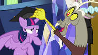 Discord gives Twilight a graduation cap S9E1