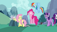 """Pinkie Pie """"that was amazing!"""" S4E16.png"""
