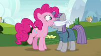 Pinkie Pie removing Maud's blindfold S7E4