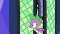 Spike entering the library S7E1