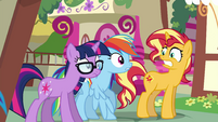 Sunset Shimmer sees something troubling EGSB