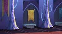 Twilight's castle interior 1 S5E3