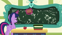 Twilight Sparkle erasing Flurry Heart's drawings S7E3
