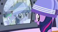 Twilight under blow dryer S5E3