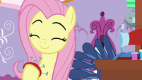 Fluttershy smiling cutely at Rarity S9E19