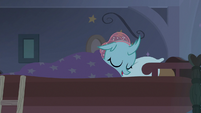 Ocellus sleeping in bed S9E15