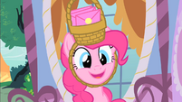 Pinkie invites Rarity to the after-birthday party S1E25