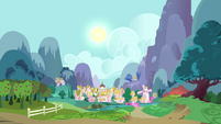 Ponyville at day S4E14