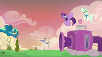 Sky Stinger almost gets blown back again S6E24