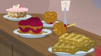 Sugar Belle's baked apple treats S7E8