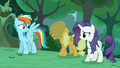 """Applejack"" approaches S5E26.png"