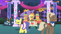 Applejack --First minute, first sale-- S1E26