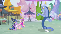 Butterflies flying out from Discord S4E11
