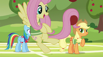 Fluttershy playing with softballs in her tail S6E18