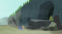 Maud discovers a piece of emerald jasper S7E4