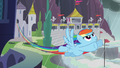 Rainbow flies out to find Spitfire S5E15.png